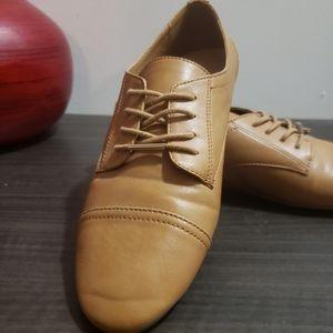 ALDO lace up shoes, flat like brand new 6.5